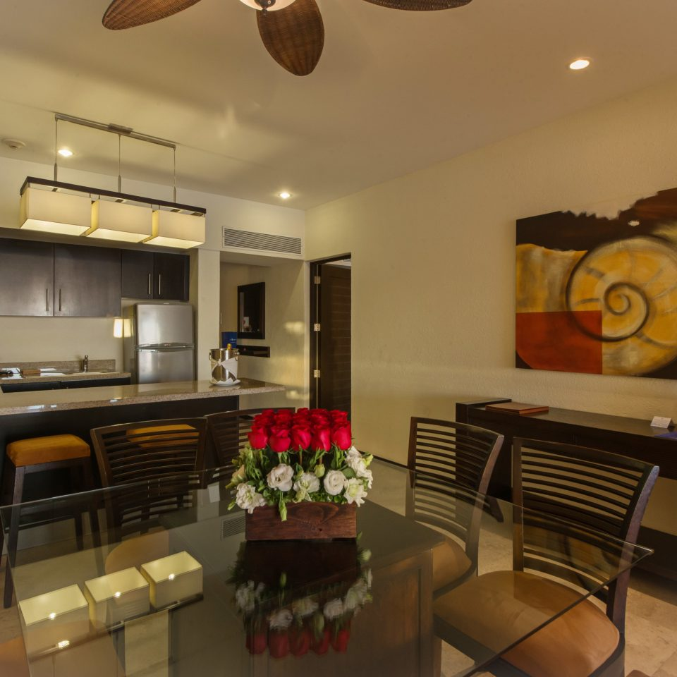 Hip Kitchen Modern Resort property home condominium cottage living room Villa Suite