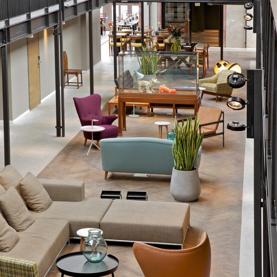 Hip Lounge property condominium home living room Lobby restaurant