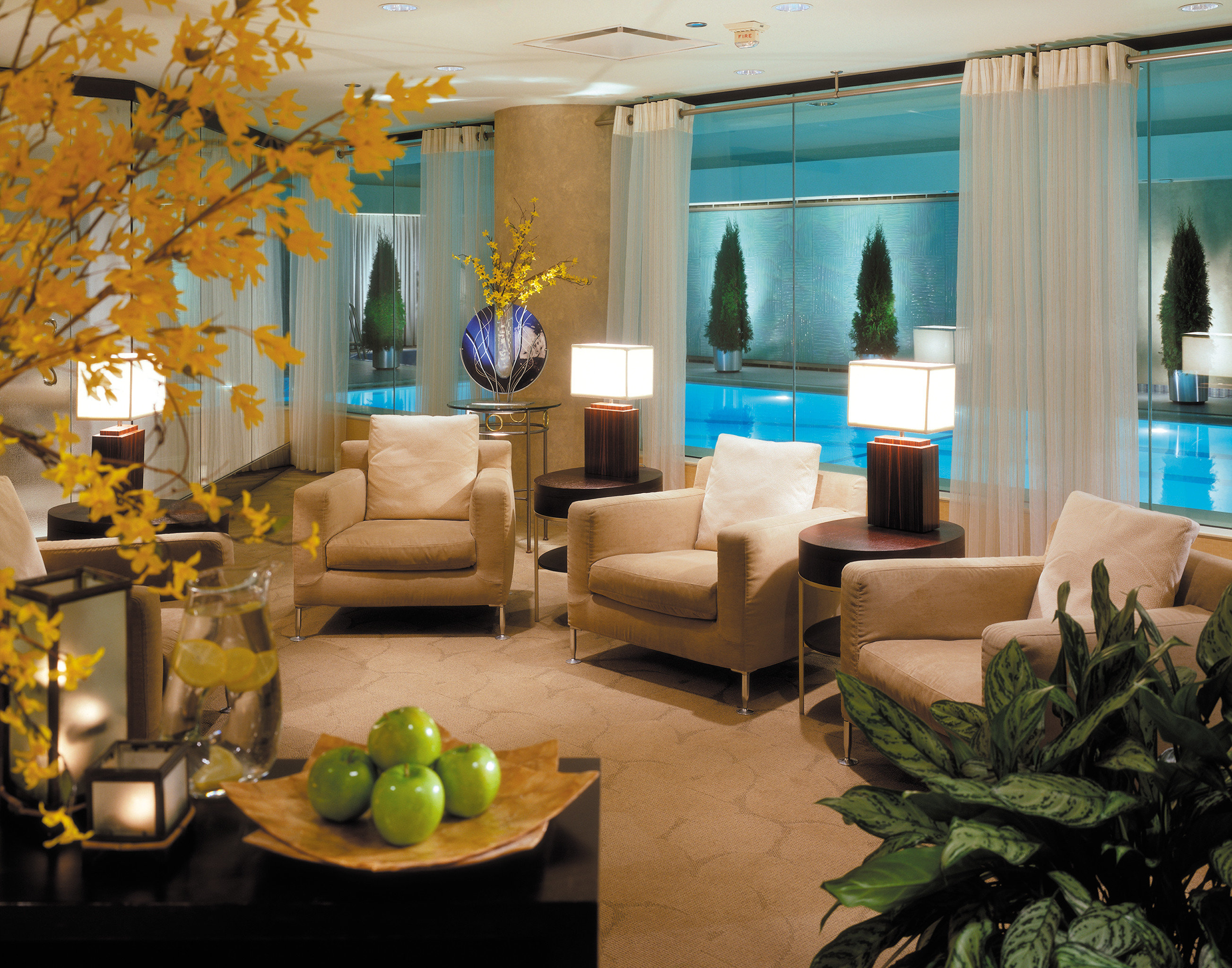 Hip Lounge Luxury Modern Lobby living room property home condominium plant Resort restaurant Villa mansion Suite
