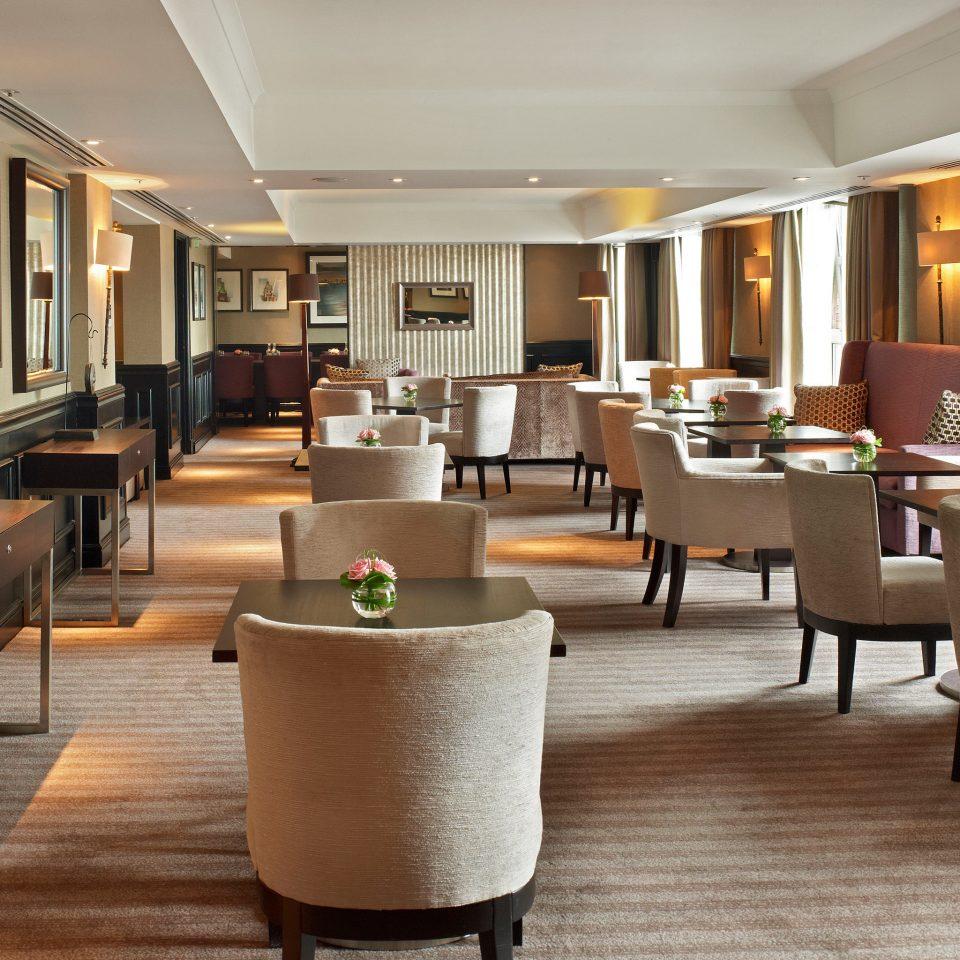 Hip Lounge Luxury Lobby property condominium living room Suite restaurant