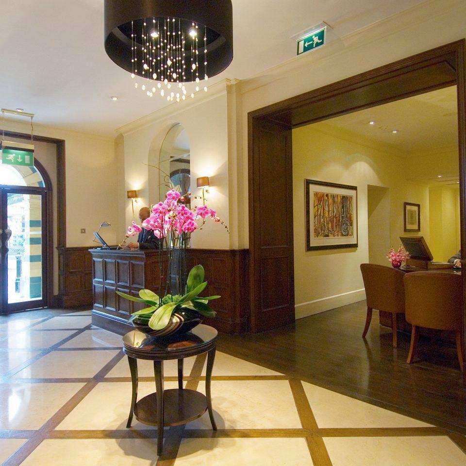 Hip Lounge Luxury Modern Lobby property home living room mansion condominium Villa