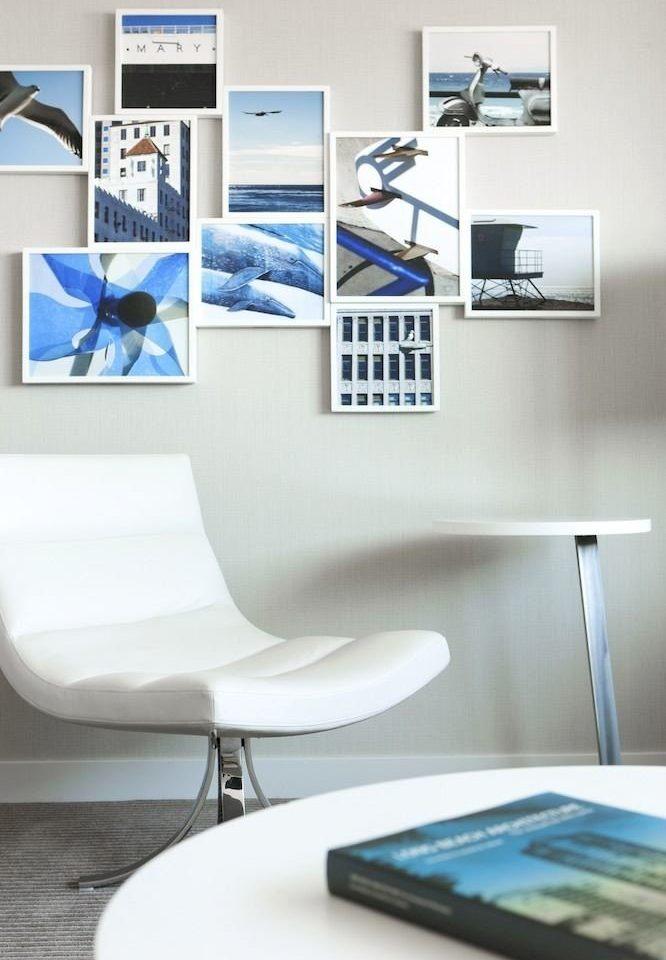 Hip Lounge plumbing fixture desk