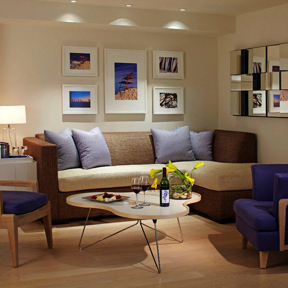 Hip Lounge Luxury living room chair property home condominium Suite cottage Villa Modern