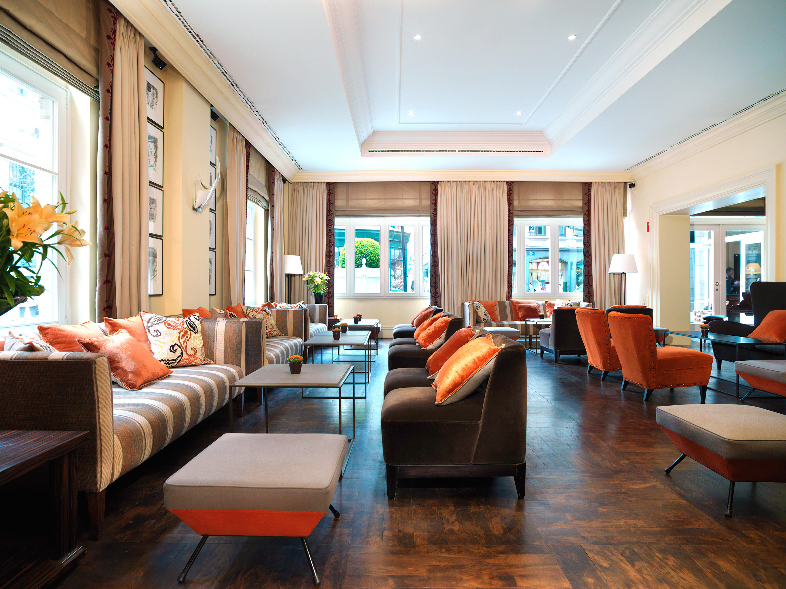 Hip Lounge Luxury Modern Scenic views sofa property living room condominium Suite home recreation room conference hall