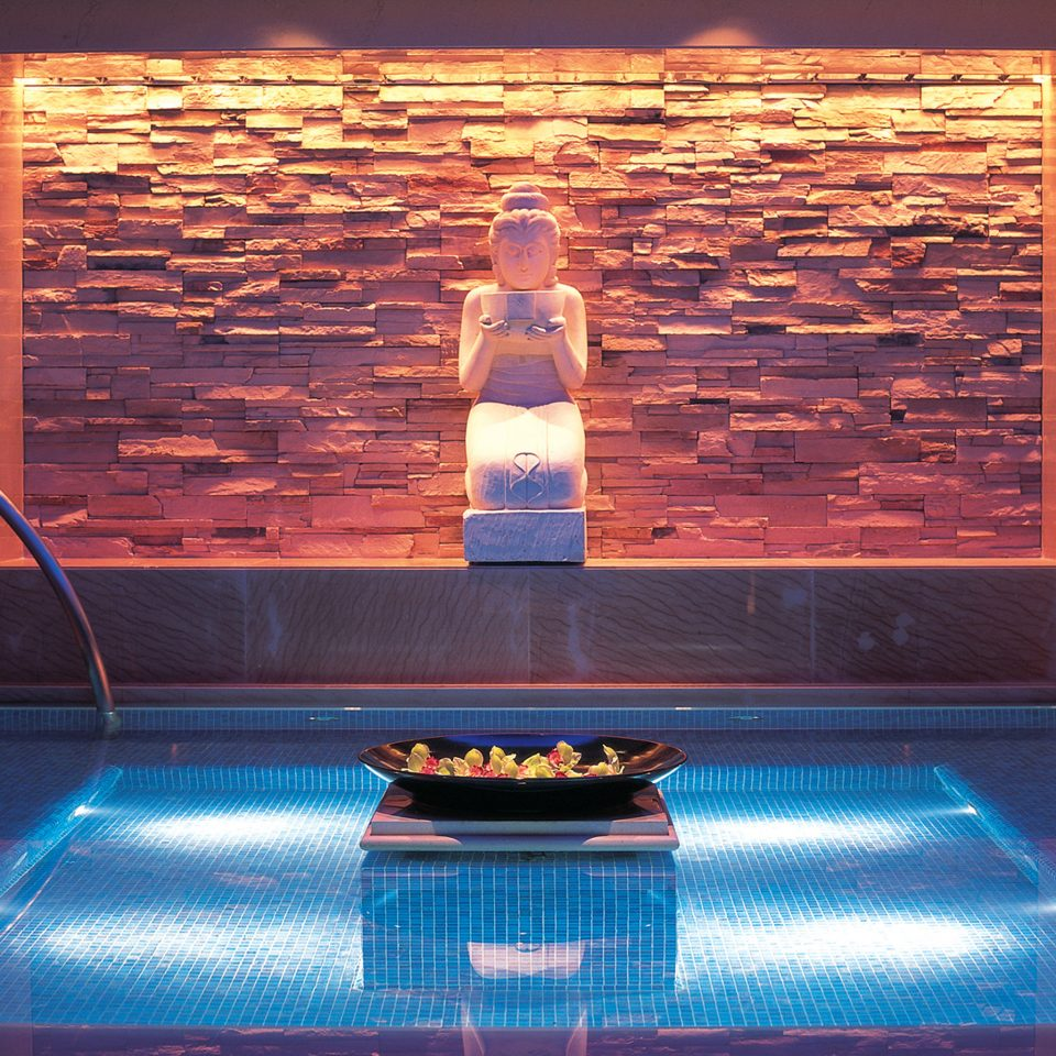 Hip Lounge Luxury Modern Pool swimming pool light lighting