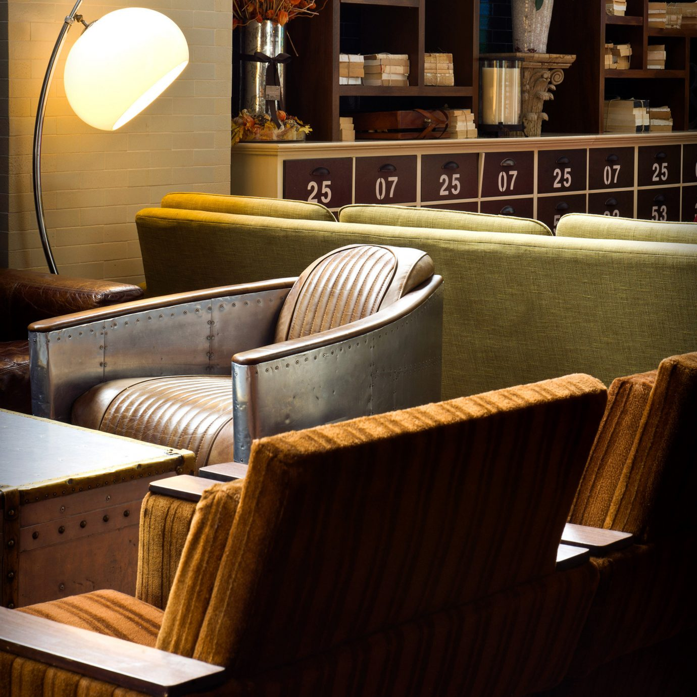 Hip Lounge Luxury Scenic views living room home lighting