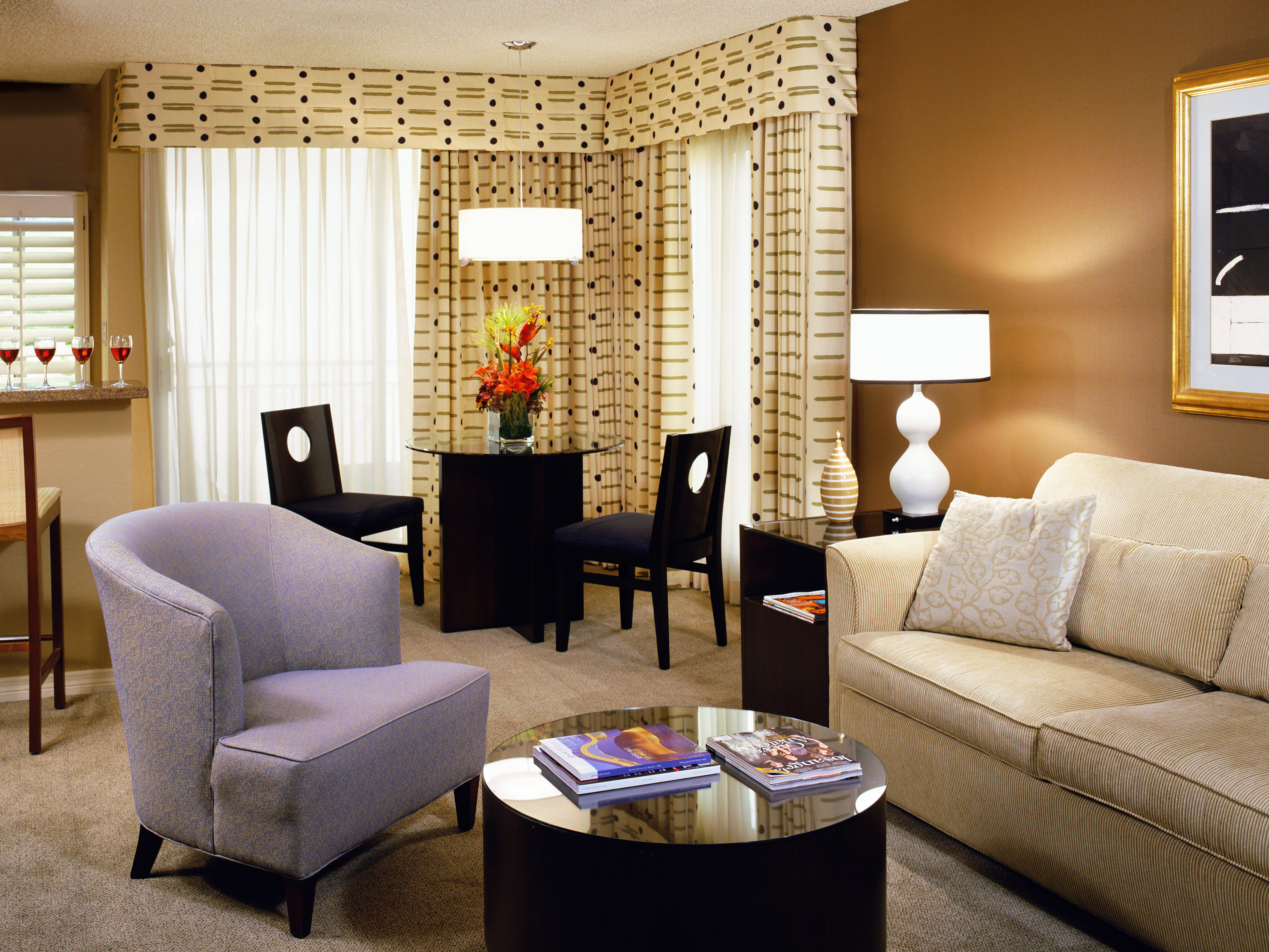 Hip Lounge Luxury sofa living room property Suite home condominium