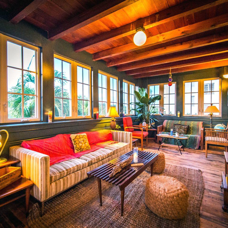 Hip Lounge Modern property living room house home Resort log cabin cottage porch recreation room Villa farmhouse