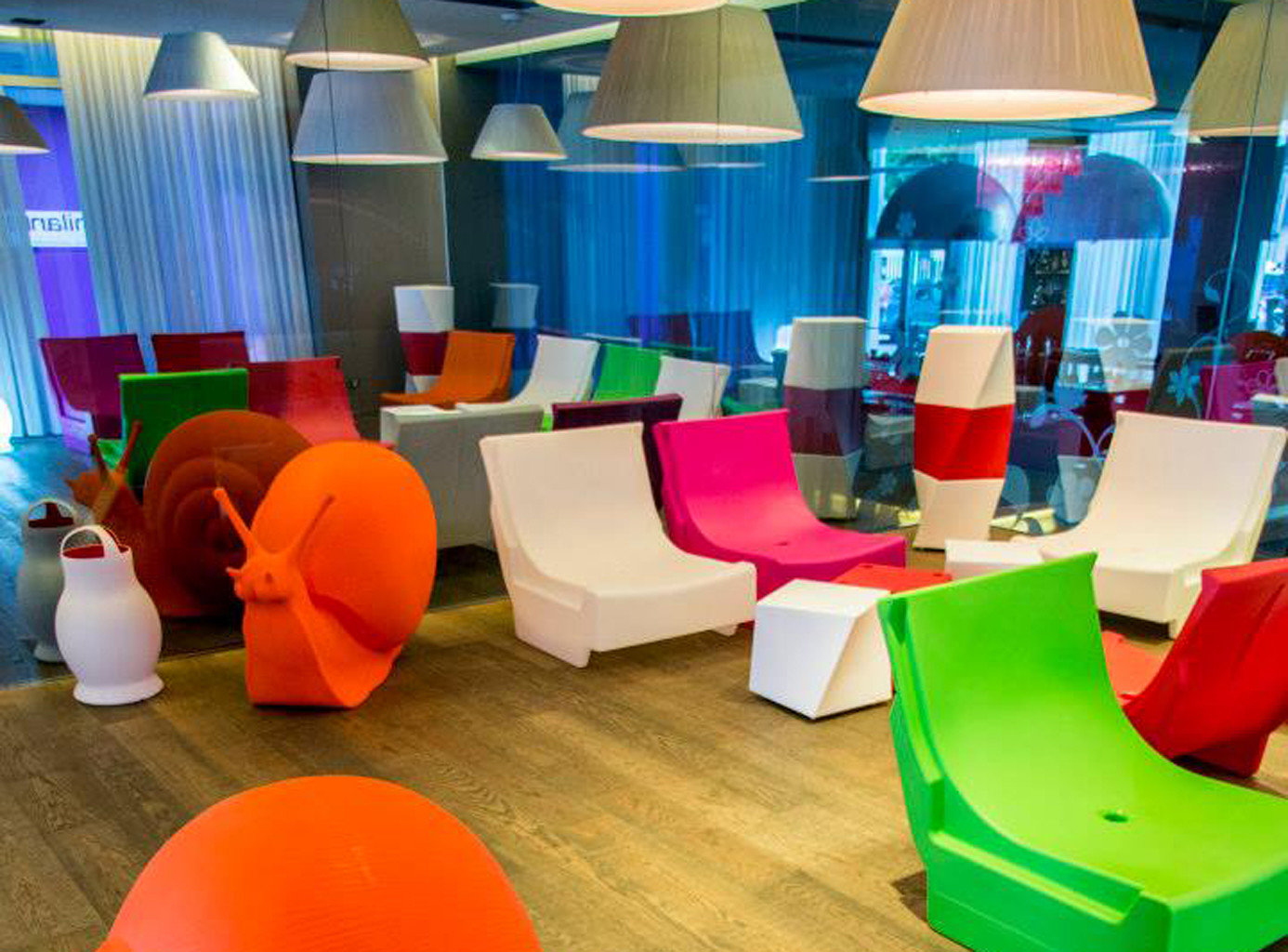 Hip Lounge color Play orange living room office colorful bright colored