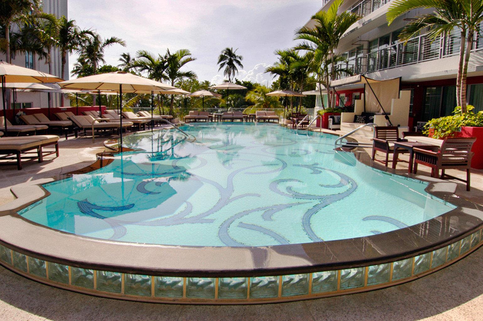 Hip Luxury Modern Pool swimming pool leisure property Resort resort town backyard condominium Villa mansion Water park