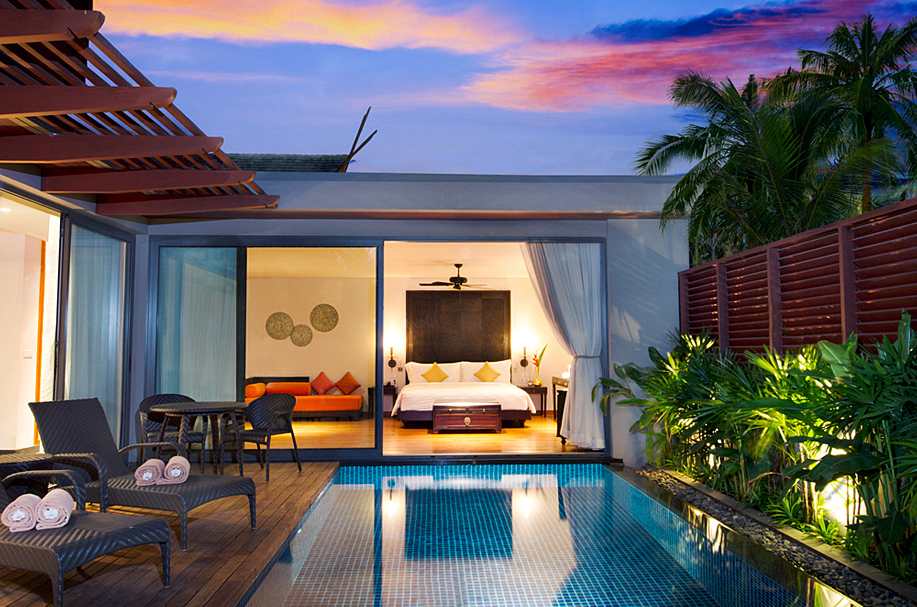 Hip Luxury Modern Pool Villa property house home Resort swimming pool condominium cottage mansion backyard living room