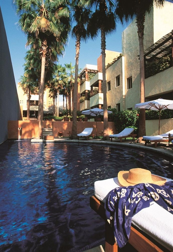 Hip Luxury Pool Romantic tree swimming pool Resort waterway travel