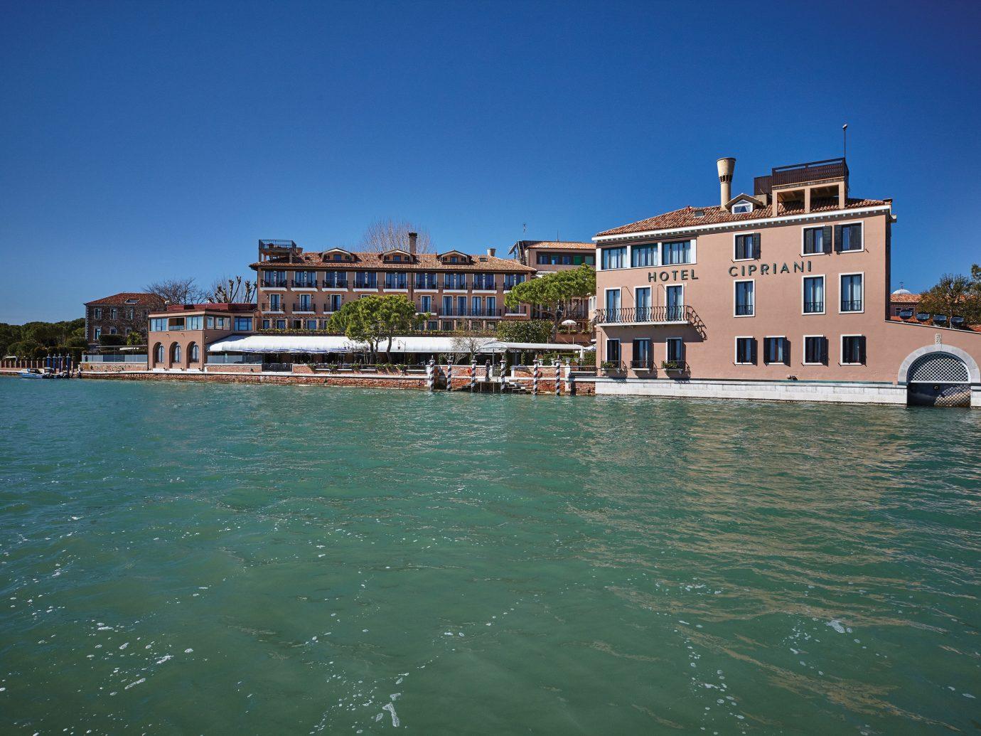 Hotels sky water outdoor Sea body of water vacation Coast Ocean vehicle bay Harbor waterway
