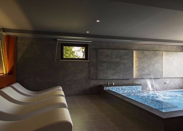property swimming pool home jacuzzi