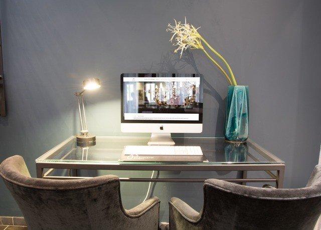 property living room home lighting shelf