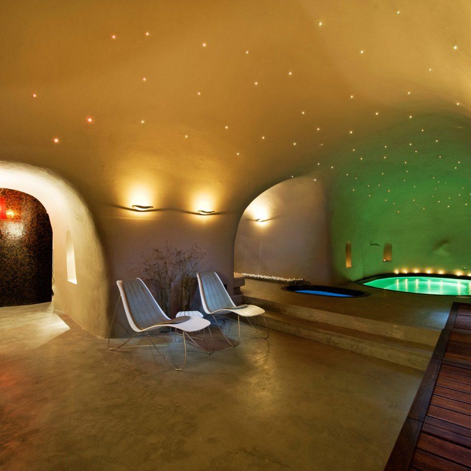 Honeymoon Hot tub/Jacuzzi Island Luxury Modern Romantic Spa Wellness light night darkness lighting screenshot