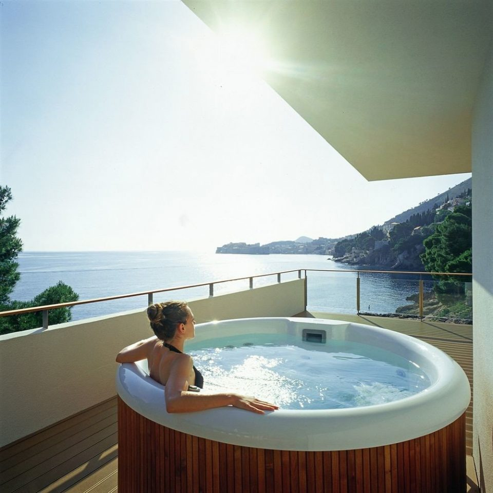 sky bathtub vessel swimming pool property jacuzzi Hot tub