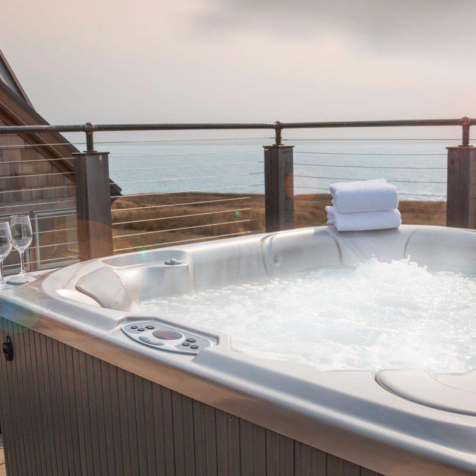 swimming pool Hot tub jacuzzi vessel bathtub