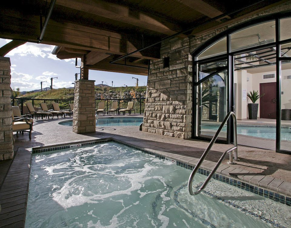 Hot tub Hot tub/Jacuzzi Outdoors Play Pool Resort property swimming pool building home stone