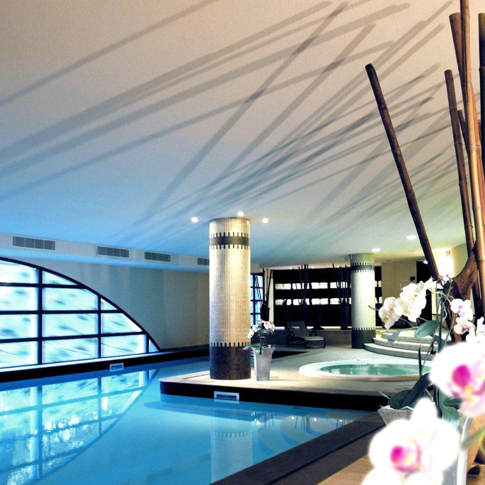 Hot tub Hot tub/Jacuzzi Play Pool swimming pool property condominium