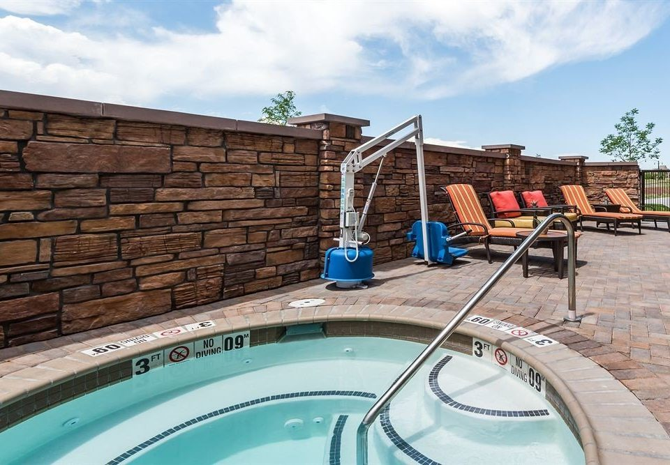 Hot tub Hot tub/Jacuzzi Pool Resort sky swimming pool property leisure Villa backyard home arch