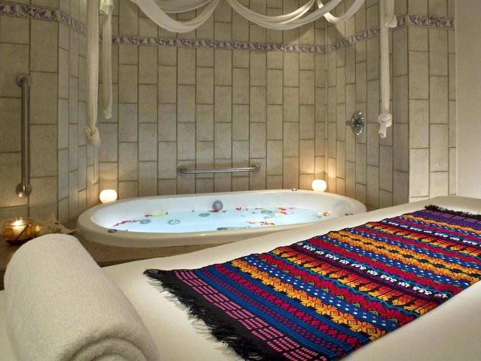 Hot tub/Jacuzzi Lounge Luxury Modern Pool Romantic swimming pool bathroom flooring Suite bed sheet jacuzzi