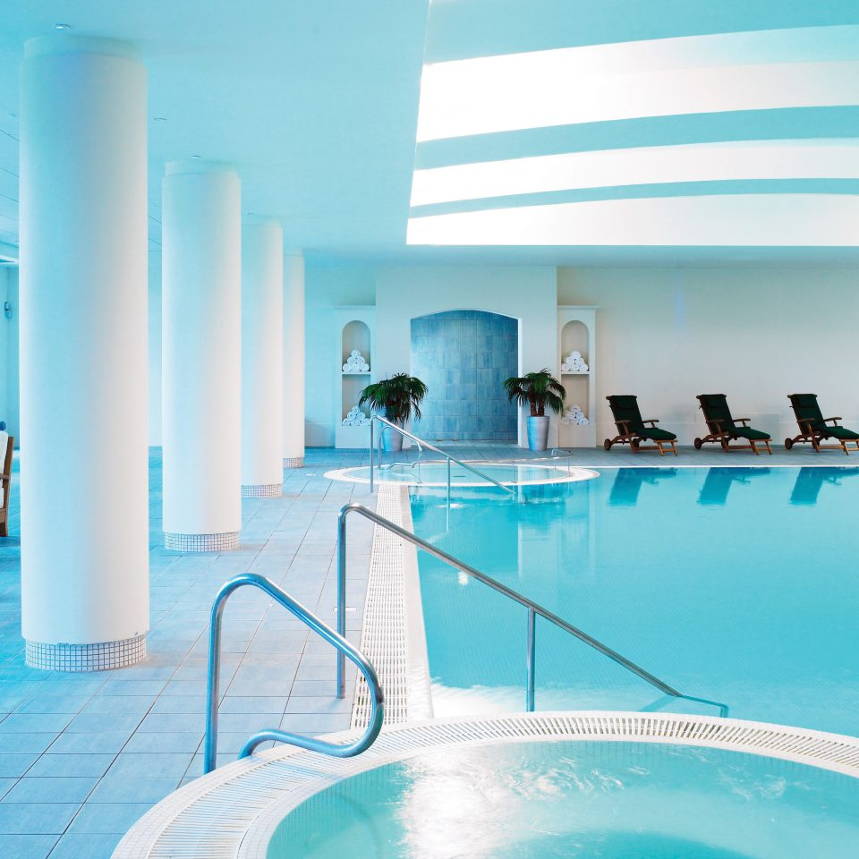 Hot tub/Jacuzzi Lounge Pool swimming pool leisure leisure centre Resort