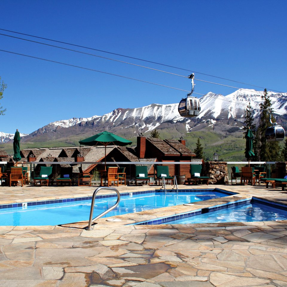 Hot tub Lodge Mountains Outdoors Pool Scenic views Wellness sky ground leisure swimming pool mountain Resort Water park