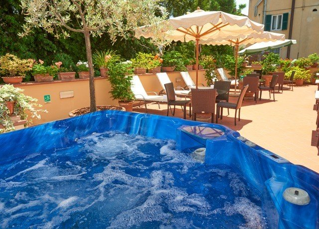 tree swimming pool property leisure backyard Resort Pool jacuzzi Hot tub blue Villa