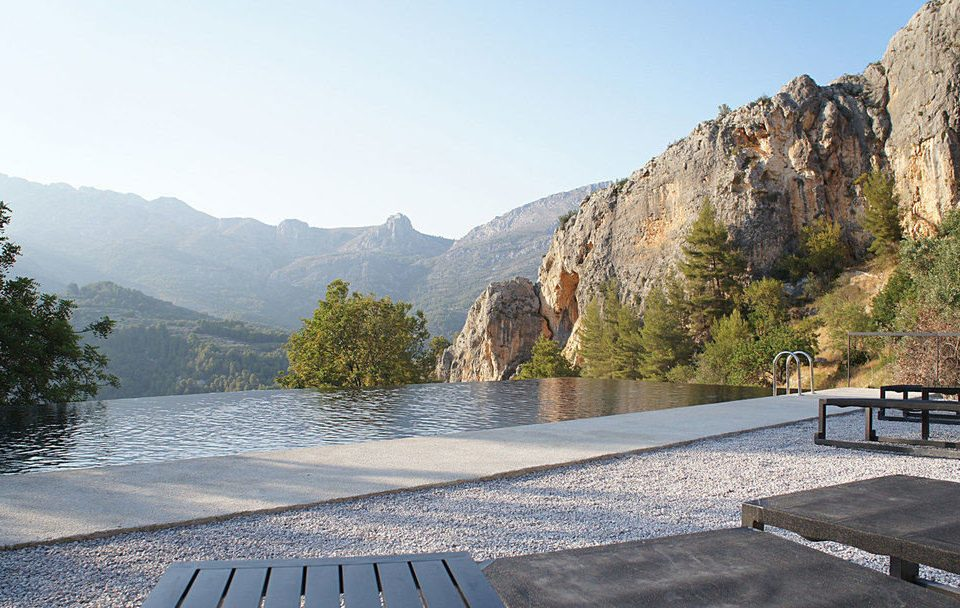 Hotels mountain sky bench mountainous landforms Nature mountain range park River Lake valley overlooking reservoir hillside