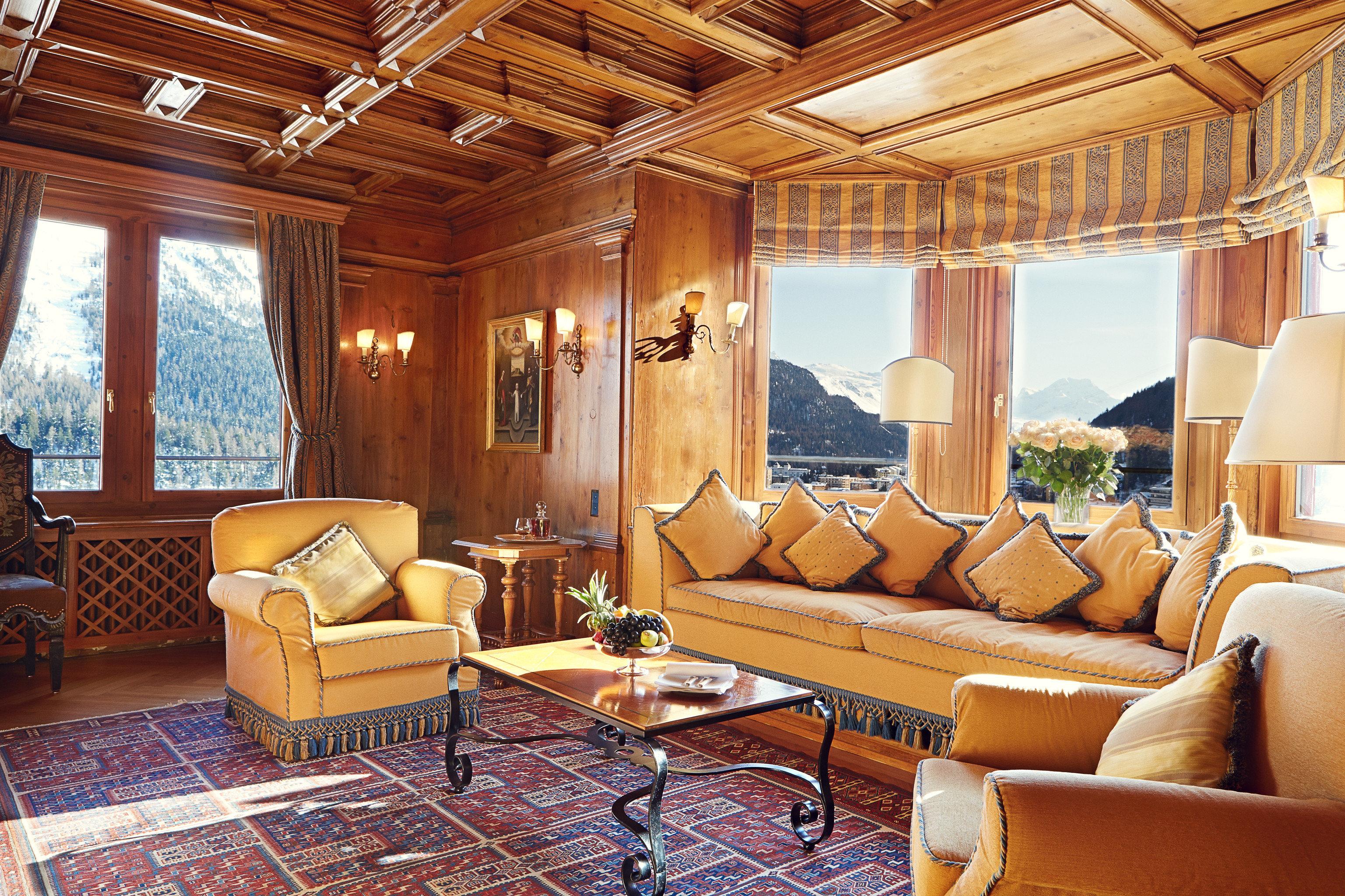 Hotels sofa living room property home Suite Resort Villa mansion cottage Lobby log cabin rug