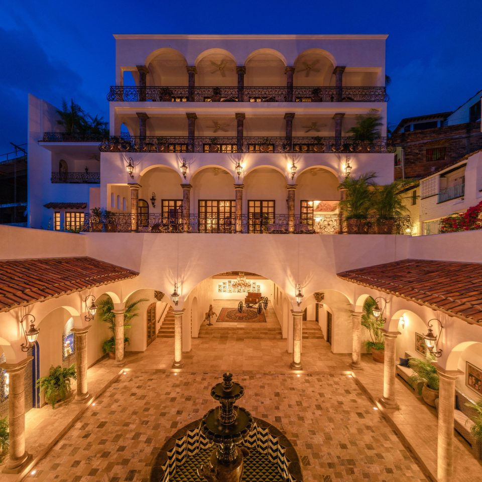 Hotels Romance building Resort palace plaza hacienda mansion screenshot