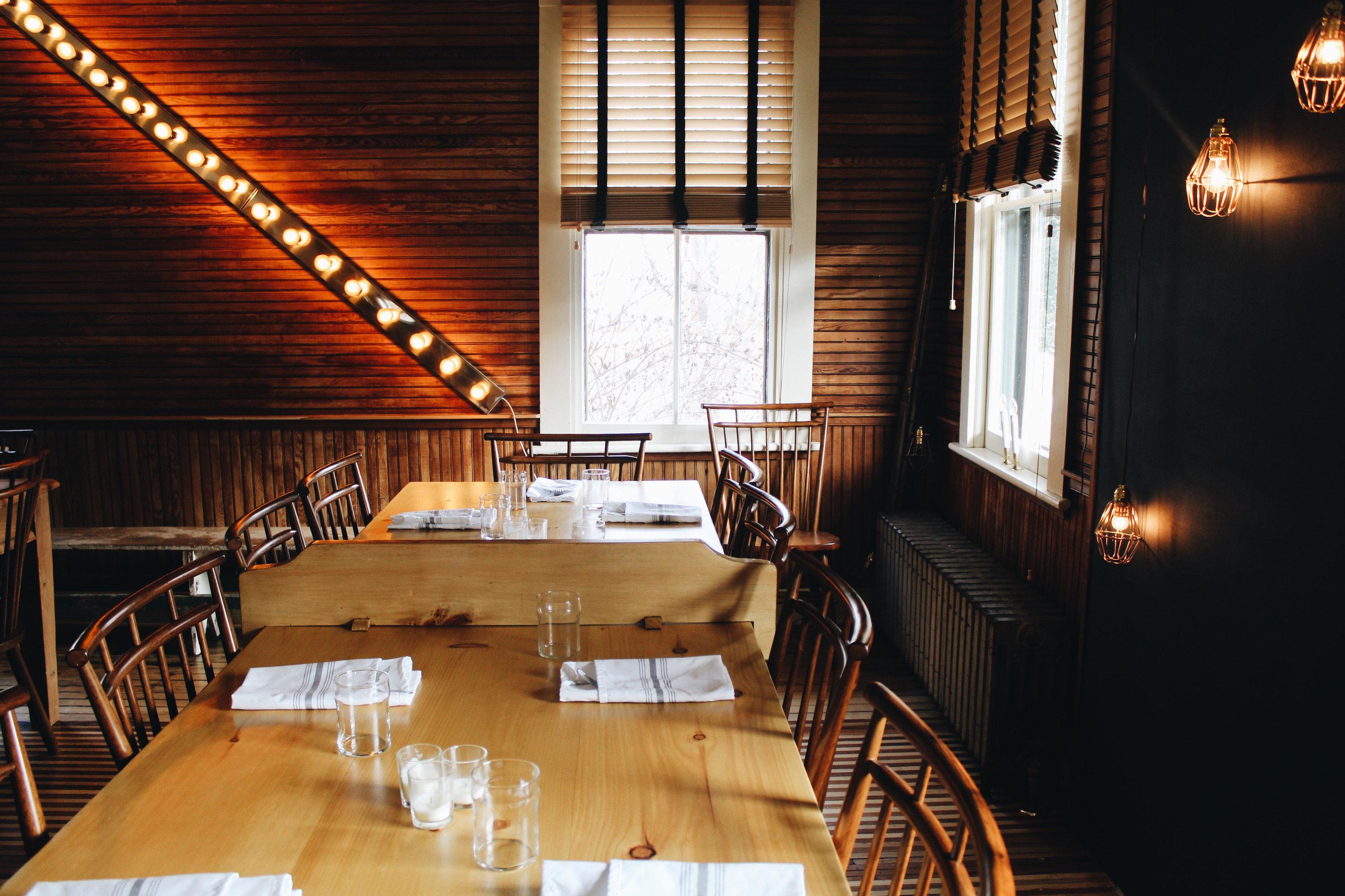 wooden restaurant house lighting