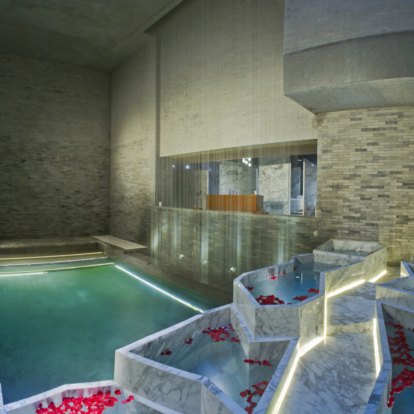 swimming pool property house screenshot thermae