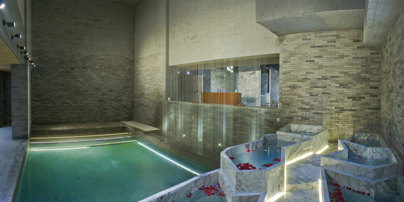 swimming pool property house screenshot thermae