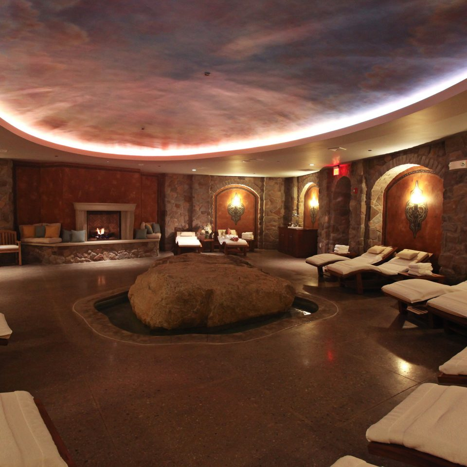 Inn Romance Spa Wellness Lobby theatre