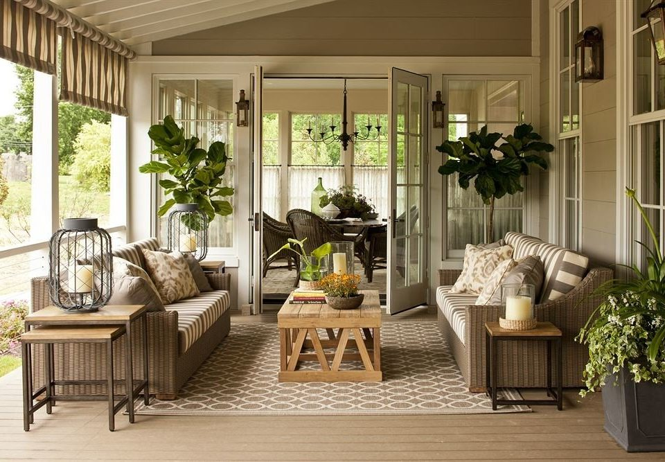 Inn Lounge porch living room property building home hardwood outdoor structure farmhouse cottage orangery condominium