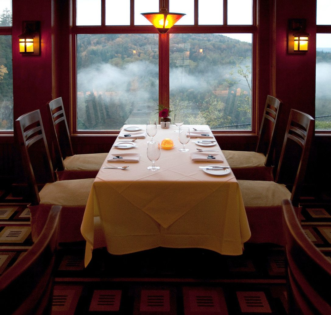 Country Dining Drink Eat Historic Hotels Lakes + Rivers Lodge indoor window room restaurant interior design screenshot