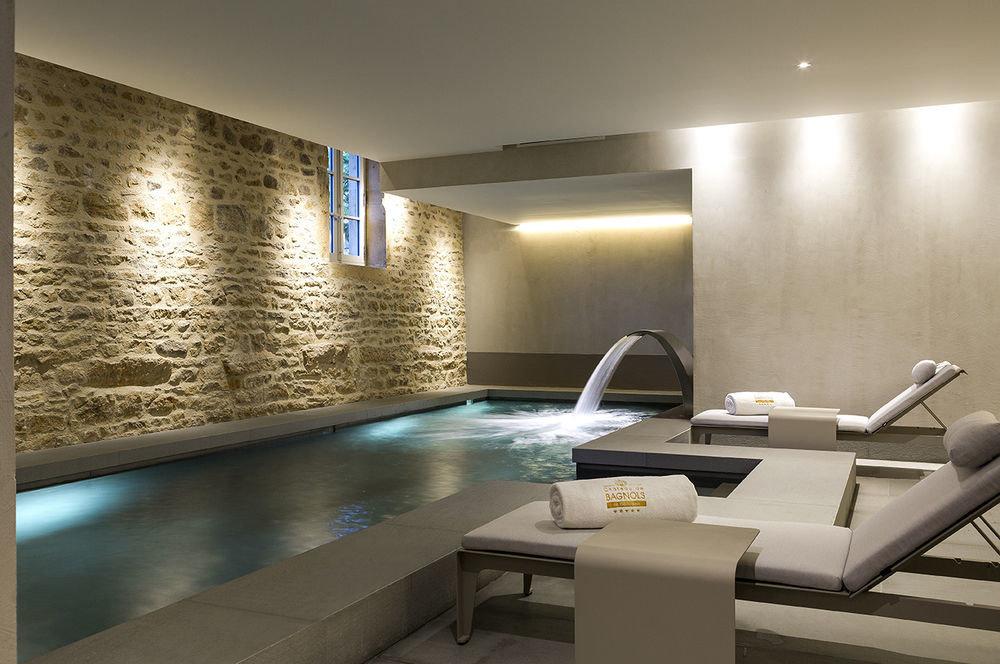 property swimming pool condominium lighting daylighting living room Island
