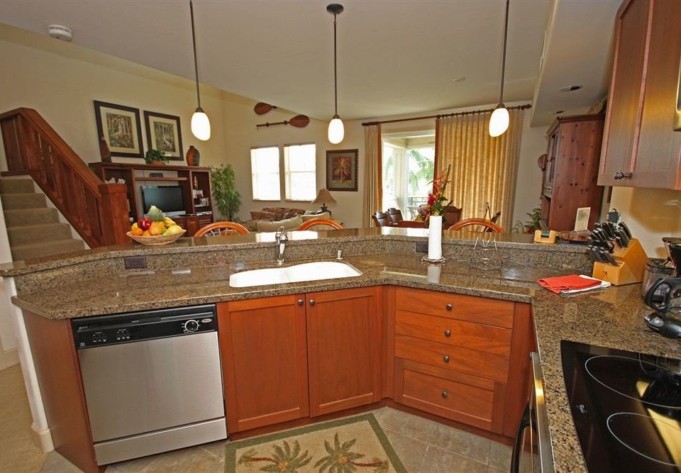 cabinet Kitchen property home countertop cabinetry stove cottage hardwood cuisine classique counter appliance Island