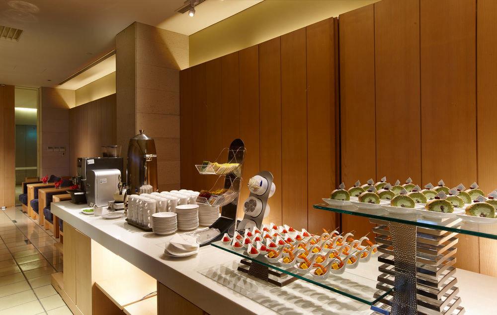 food Kitchen counter restaurant buffet Island