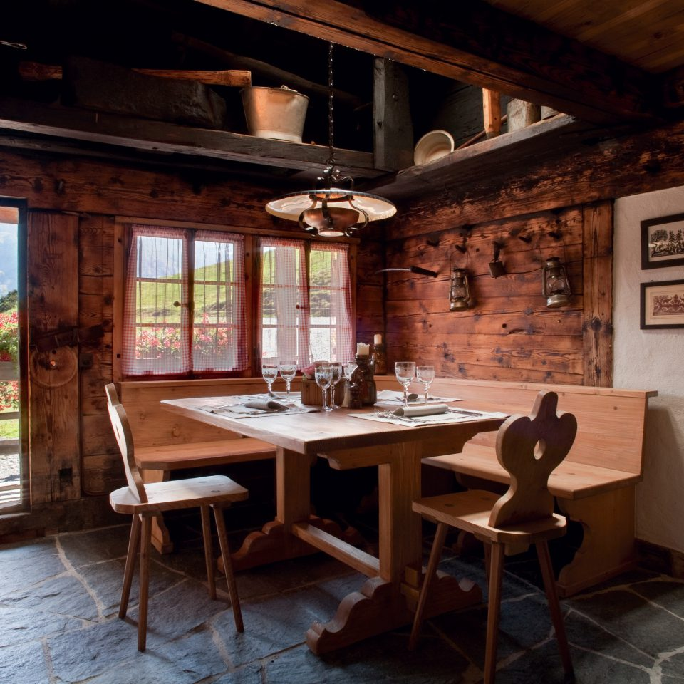Kitchen property house home cottage farmhouse restaurant Island
