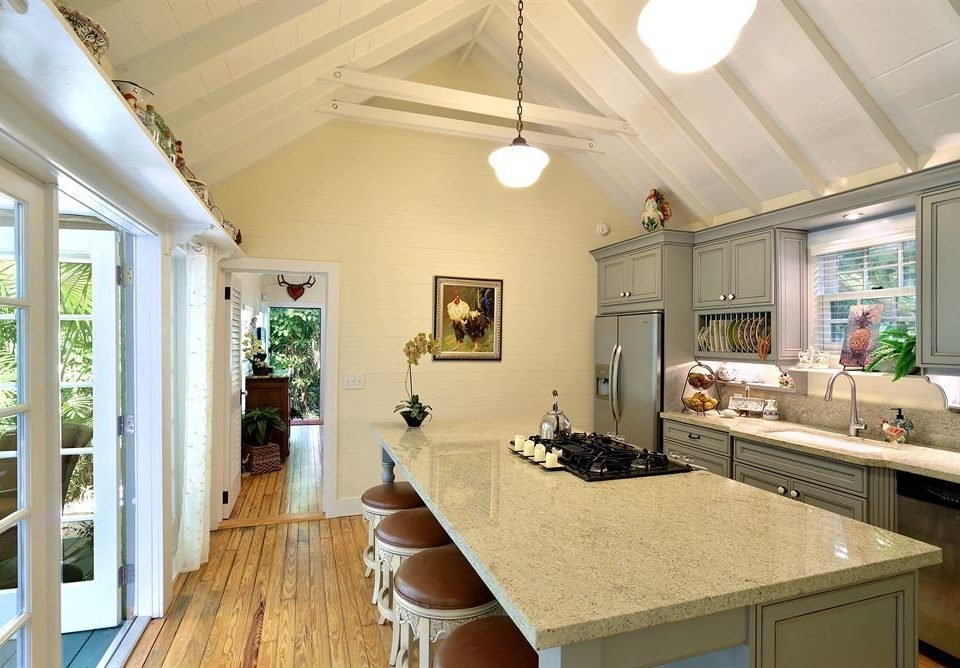 property home living room counter cottage hardwood farmhouse Kitchen Villa mansion Island