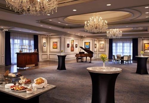 Lobby property recreation room function hall living room mansion ballroom convention center conference hall Island