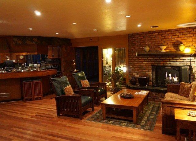 property living room hardwood home wooden recreation room wood flooring mansion cabinetry cottage Lobby hard Modern Island