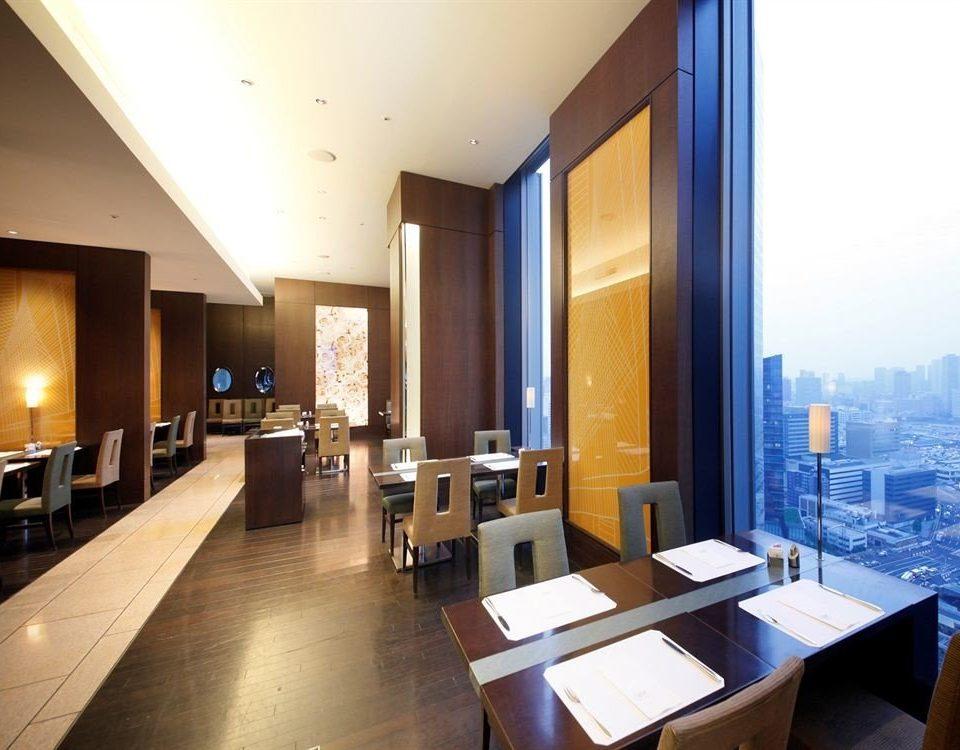 property condominium Suite Lobby lighting restaurant Resort living room Island