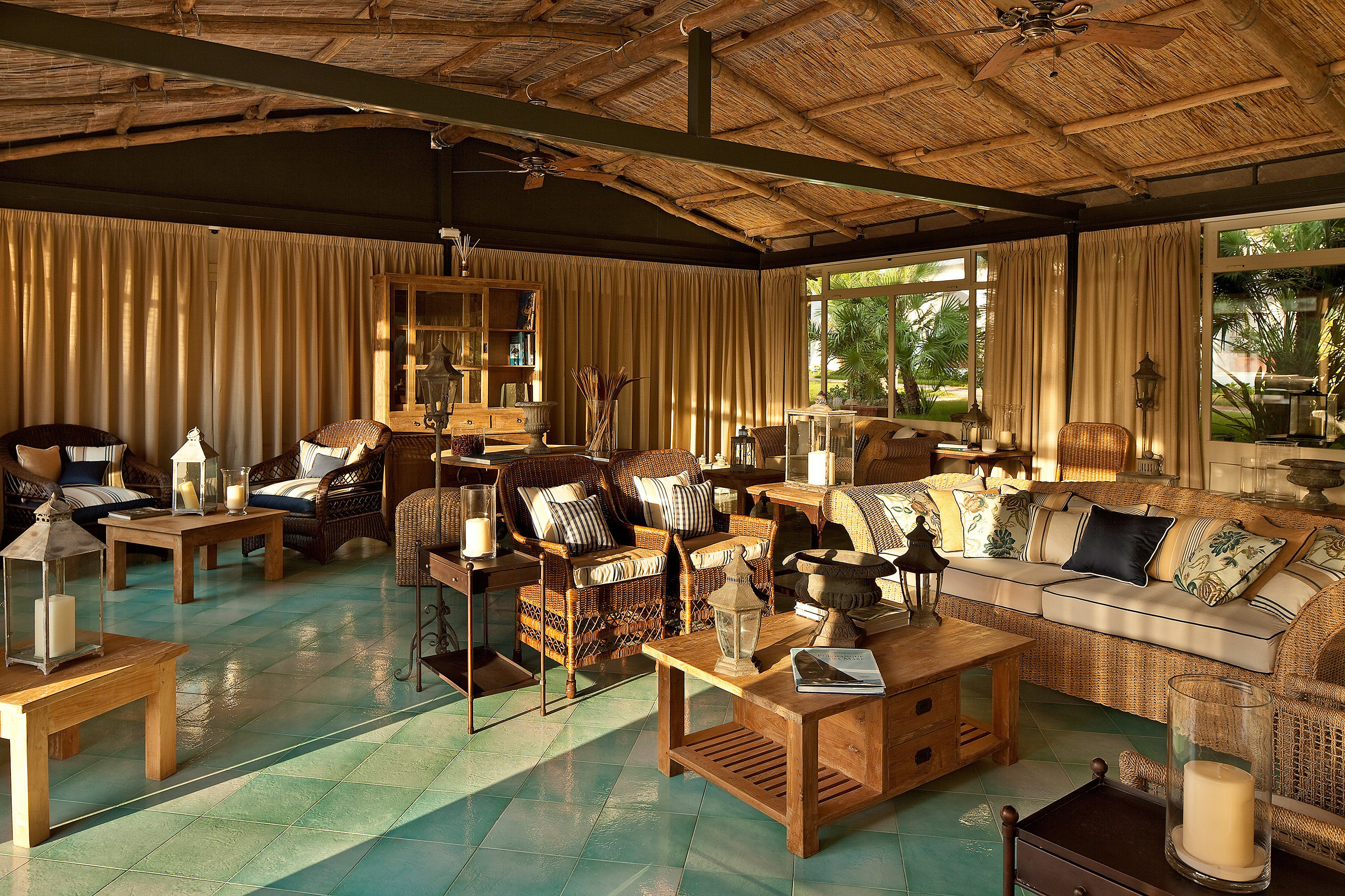 Lounge Patio Resort home restaurant recreation room Island