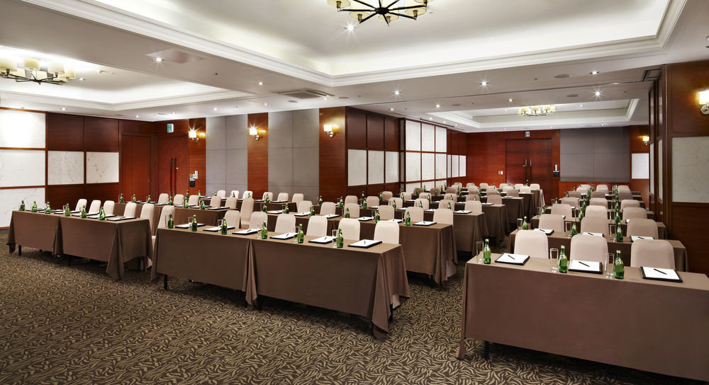 function hall conference hall auditorium convention center banquet ballroom meeting convention long Modern Island