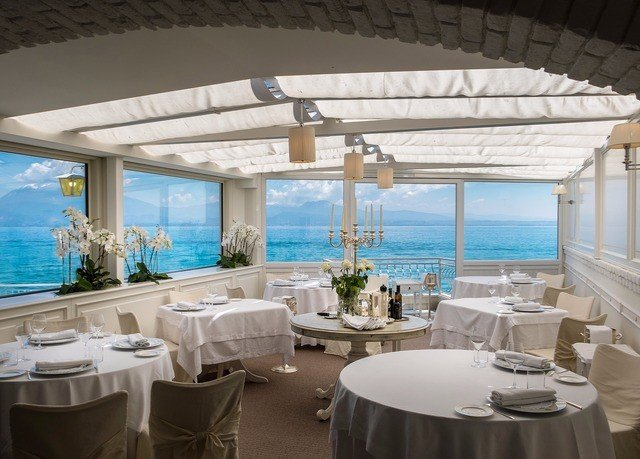 property restaurant swimming pool function hall Villa yacht Resort overlooking tub bathtub Island
