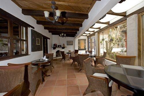 property building Resort condominium Villa cottage home living room Island